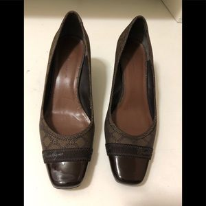 Etienne Aigner brown thick heel shoes very chic